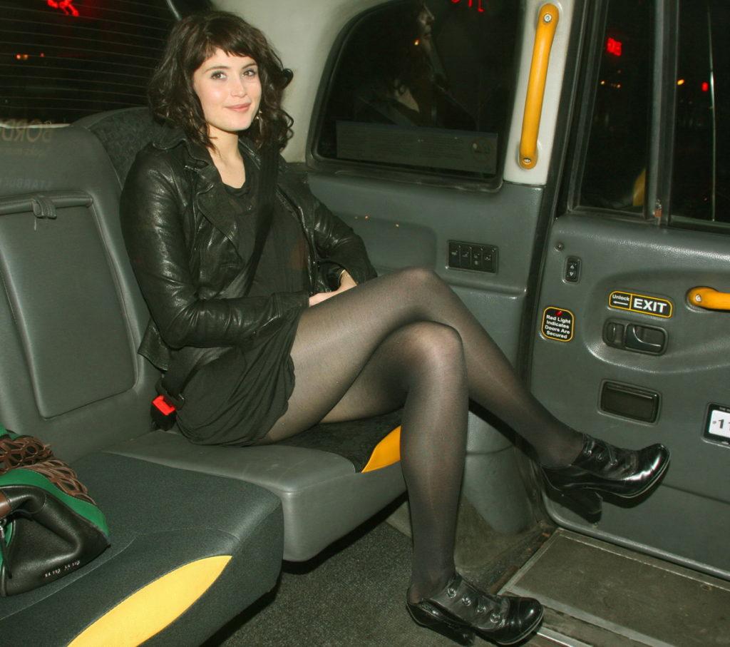 Gemma Arterton in taxi