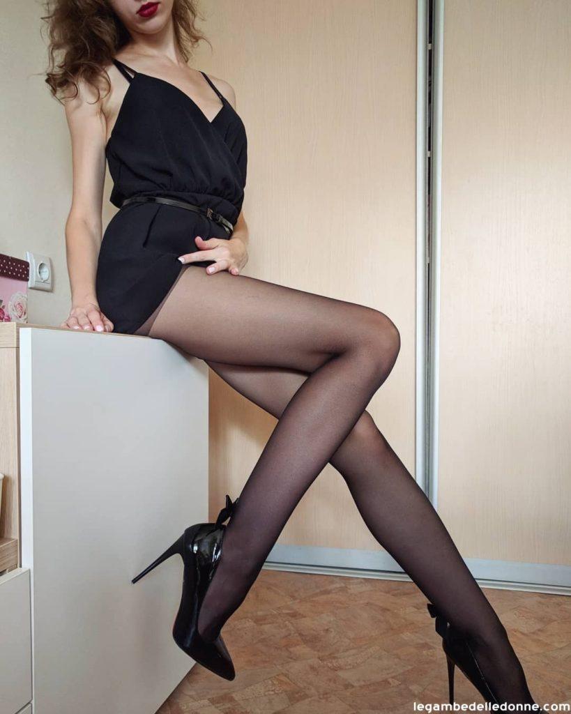 Miss febbraio in collant